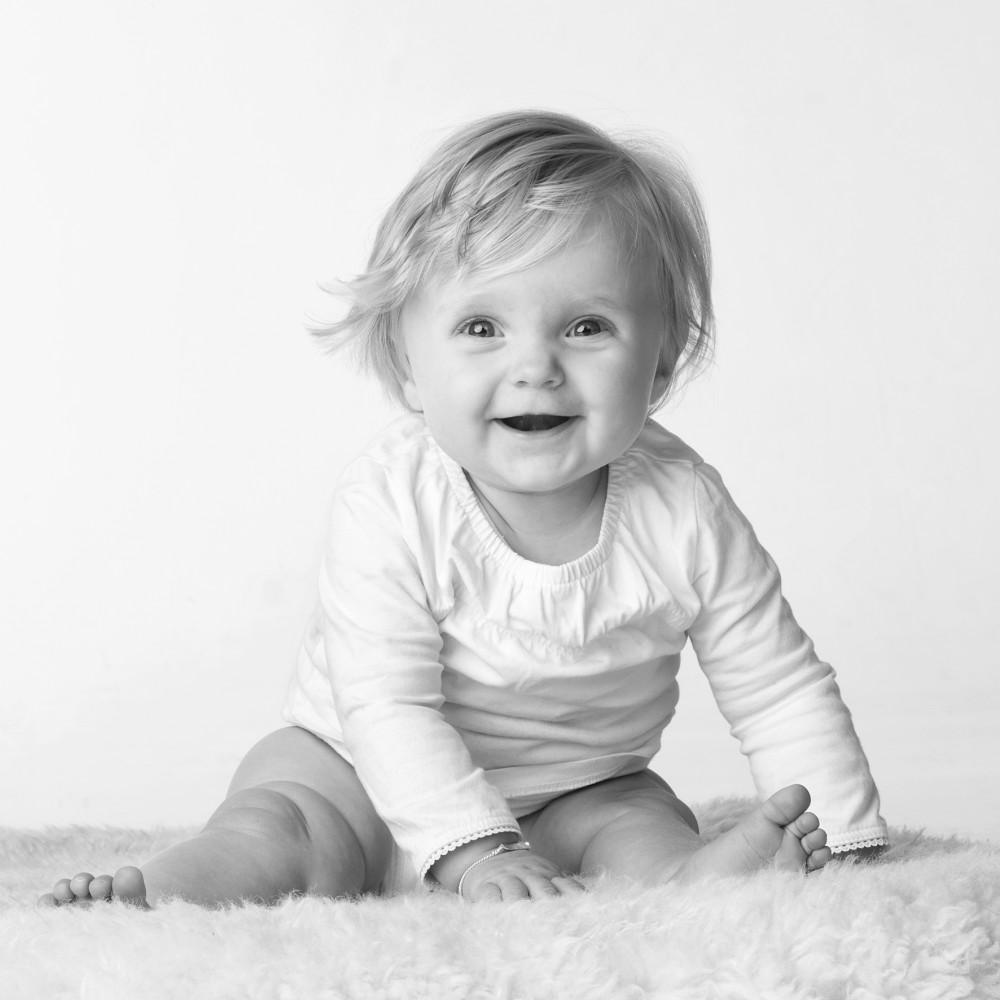 Relaxte kinderfotografie in onze ruime fotostudio.